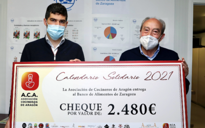 La Asociación de Cocineros de Aragón entrega al Banco de Alimentos los beneficios de su Calendario Solidario 2021